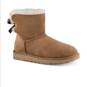 UGG WOMENS mini bailey bow boots in chestnut 9 NWT